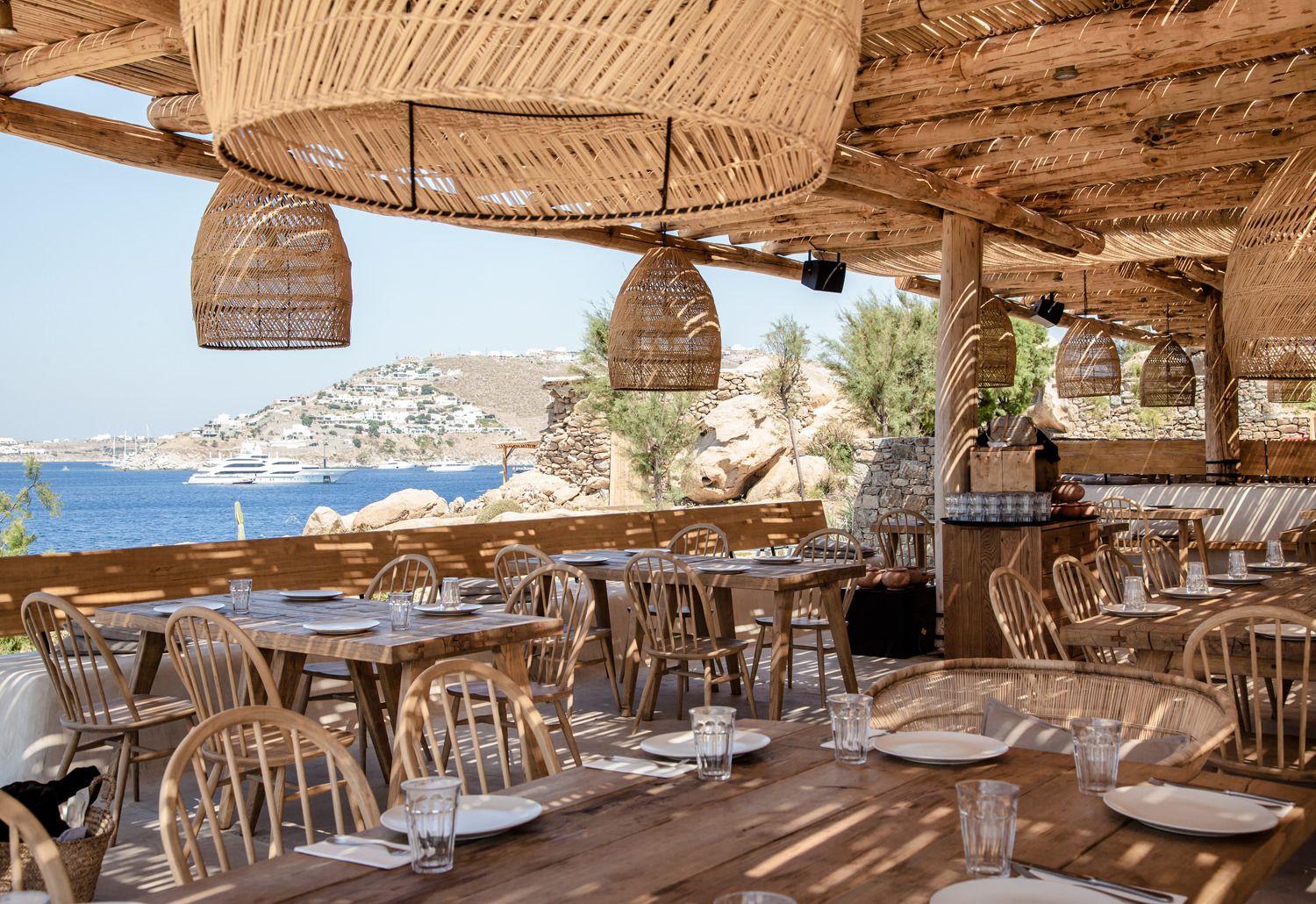 Mykonos photo diary travel guide hannah shelby for Beach bar decorating ideas