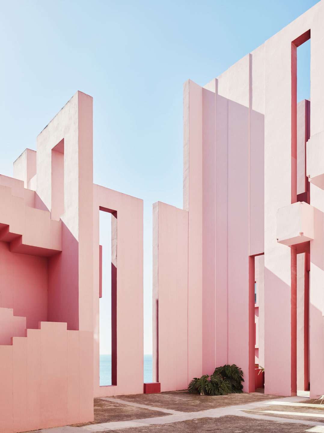 Is This Place Real Architect Ricardo Bofill S Masterpiece